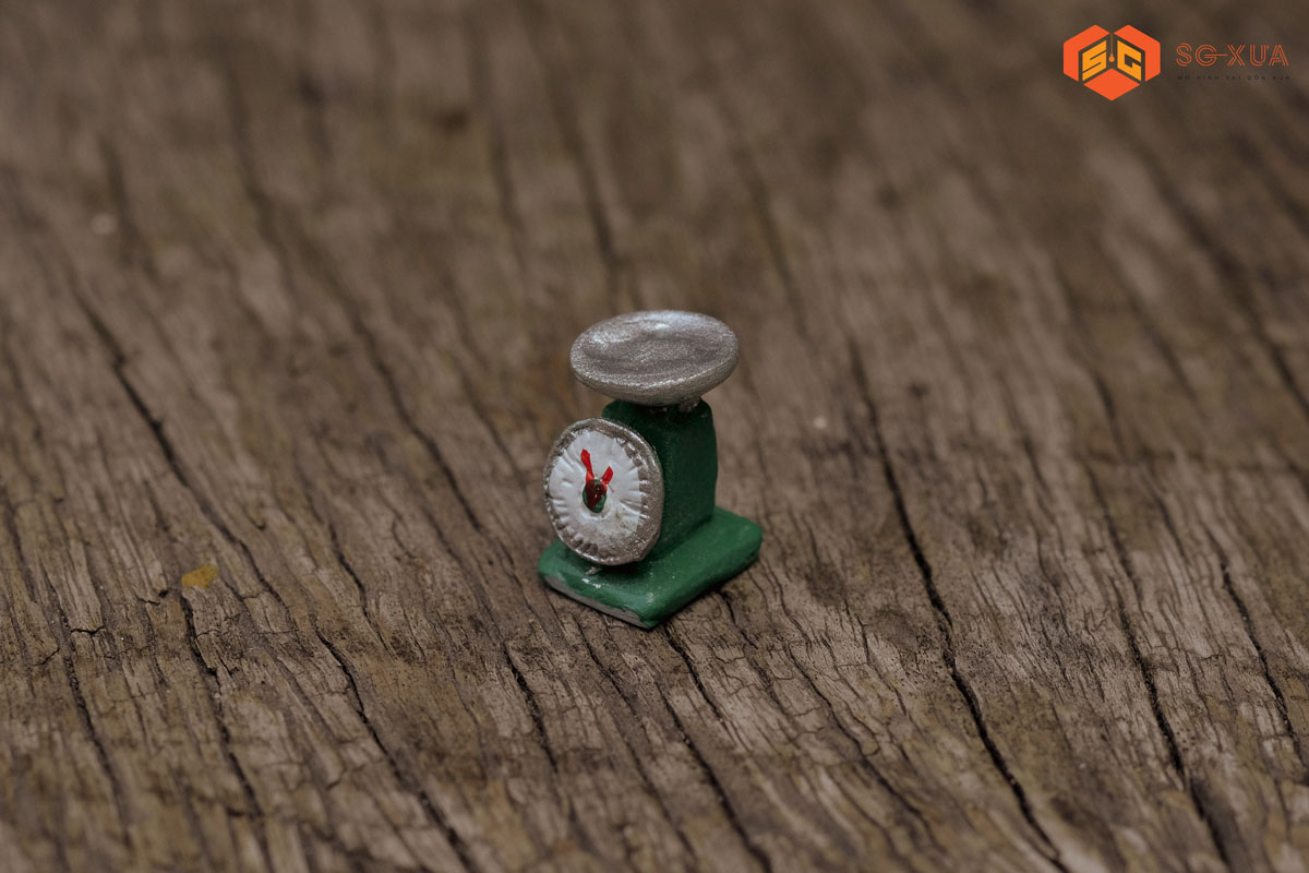 Cân đồng hồ – Mô Hình Sài Gòn Xưa