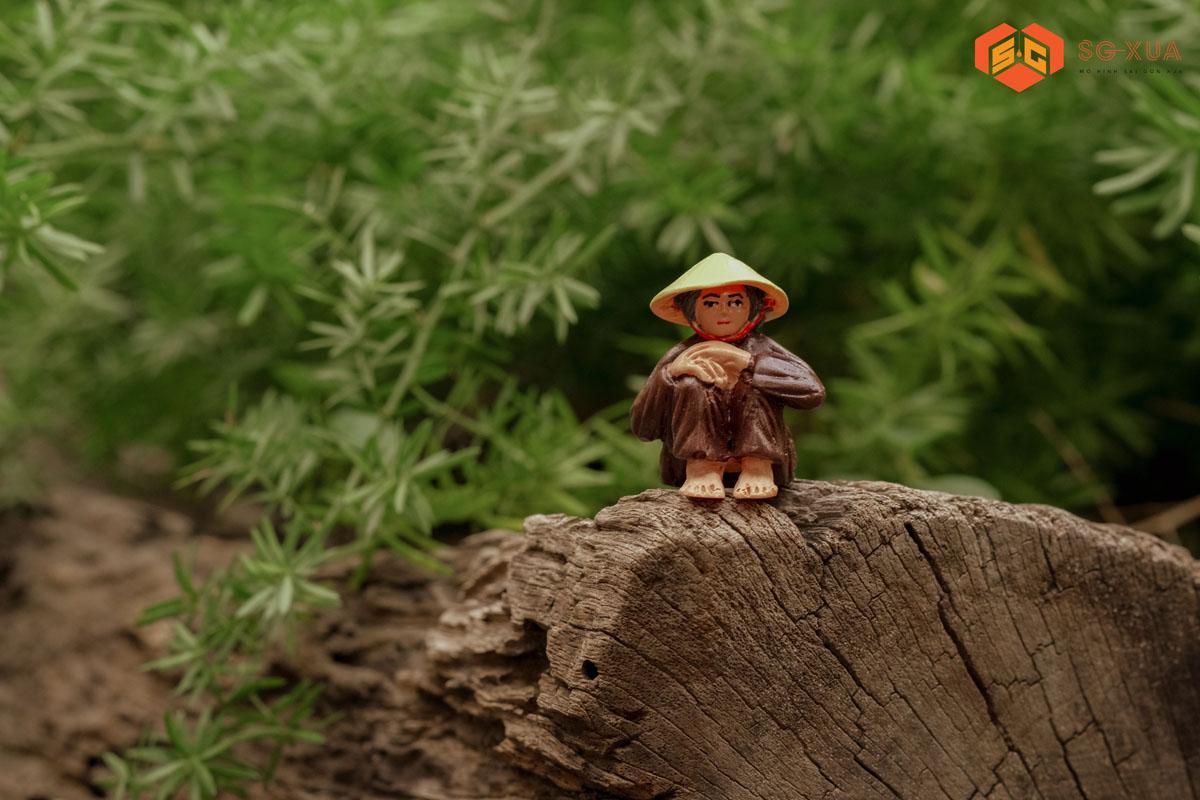 Cụ bà đội nón- Mô Hình Sài Gòn Xưa
